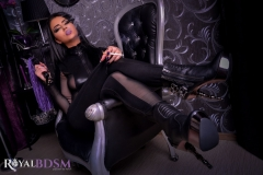 FetishSaphire-in-chair-smoking