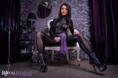 FetishSaphire-in-chair-with-whip