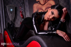 Mistress-Elenia-in-latex-on-couch-2